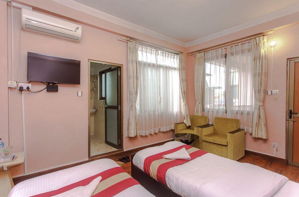 Standard Room: Twin Bed